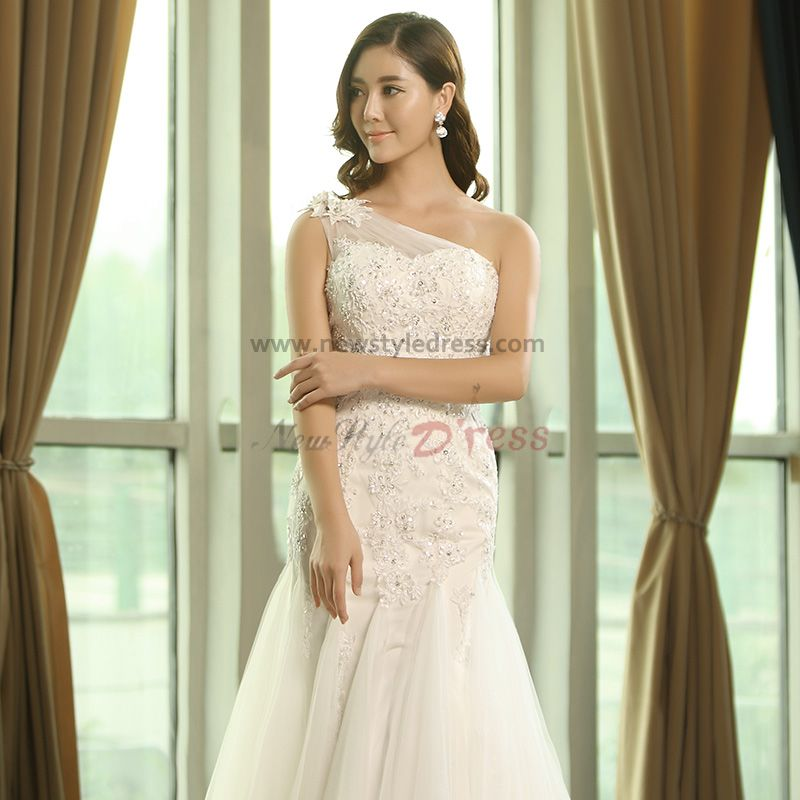 Wedding Gown Under 200: One Shoulder Lace Appliques Princess Spring Wedding