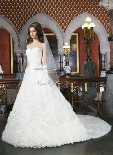 Chapel Train Sweetheart Ruched 20 inches Train wedding dress under 200 nw-0122