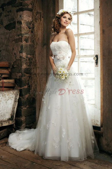 Elegant lace tulle Court Train Latest Fashion Spring wedding dress nw-0258
