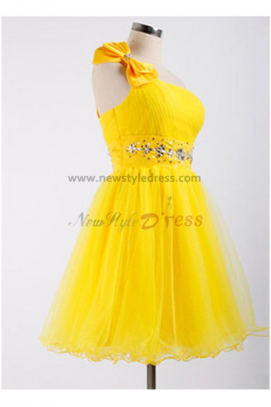 Under 100 Sashes With beading Glamorous Yellow One Shoulder Tiered Homecoming Dresses nm-0089