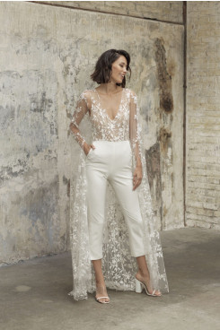 V-Neck Wedding Lace Jumpsuits Bride Dress With Brush Train wps-230