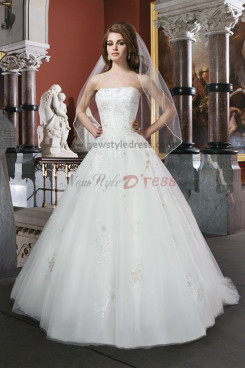 20 Inch Train Strapless Appliques Back Design Button Elegant wedding dress nw-0124