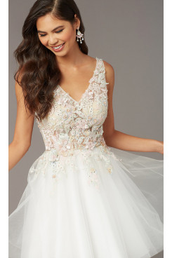 Diamond White A-line Short Dreses, Embroidery Homecoming Dresses sd-028